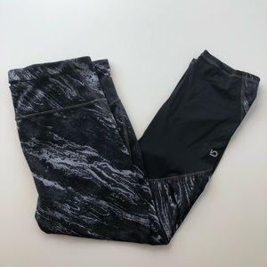 GapFit gfast Black Marble-print Capris Leggings